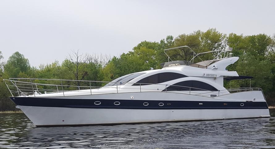 Яхта «Бейлайнер 2655»